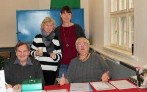 Willi Koch - Schatzmeister | Marion Sutter - 2. Vorsitzende | Sabine Eggert - 1. Vorsitzende | Eva-Maria Hansen - Obfrau für nichtjagdlichen Gebrauch (von links nach rechts)
