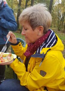 Andrea ohne Ilse hat es auch geschmeckt - sie war für den Tomatensalat extra nach Berlin gefahren