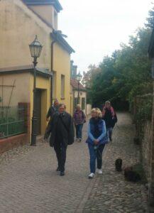 Birgit und Harald hatten eine sehr nette Dame - einen guide organisiert.